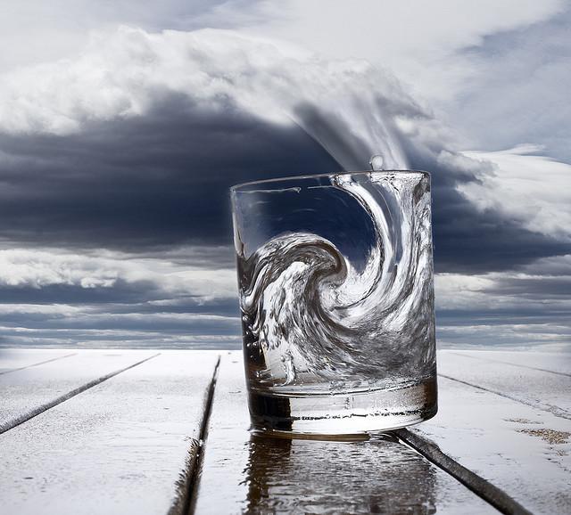 Емоционална буря в чаша вода